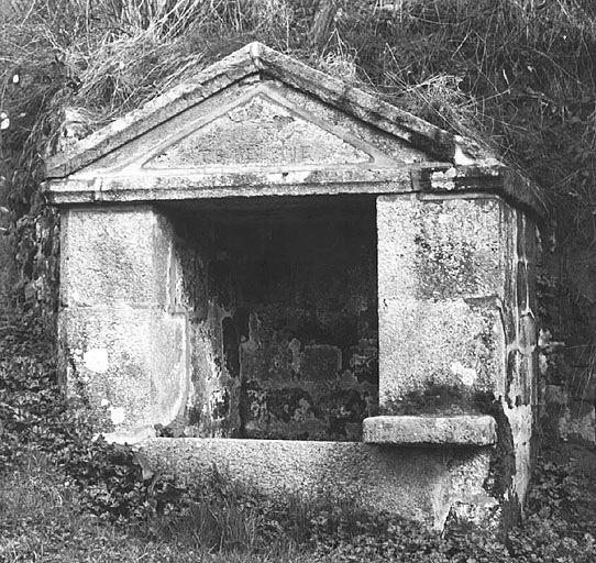 photo pour Fontaine de Dévotion Sainte-Hélène