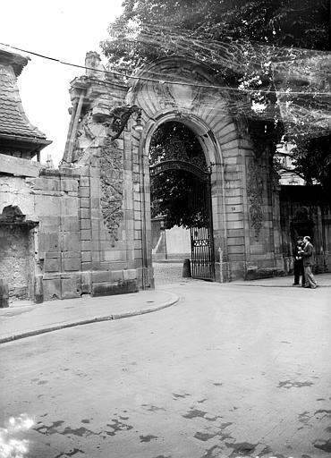 photo pour Hôtel des Deux Ponts ou Hôtel du Gouverneur militaire