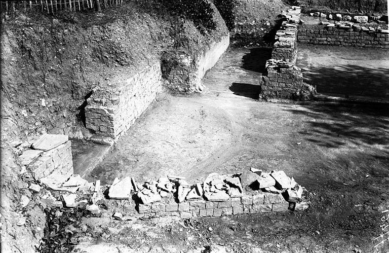 photo pour Terrains de fouilles gallo-romaines de la colline du Puymin (ensemble)