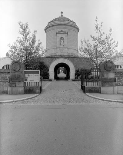 photo pour chapelle funéraire Saint-Michel-de-l'Espérance (chapelle de cimetière) , Chapelle