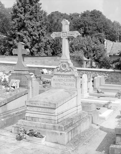 photo pour tombeau des familles Plumet-Legrain et Noir-Plumet