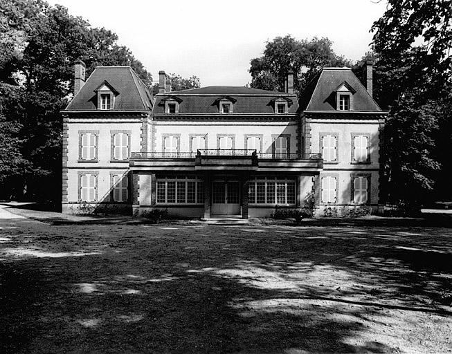 photo pour Château  lieu dit Rivière