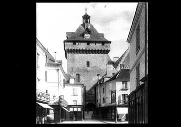 photo pour Hôtel de Ville et Porte Picoys