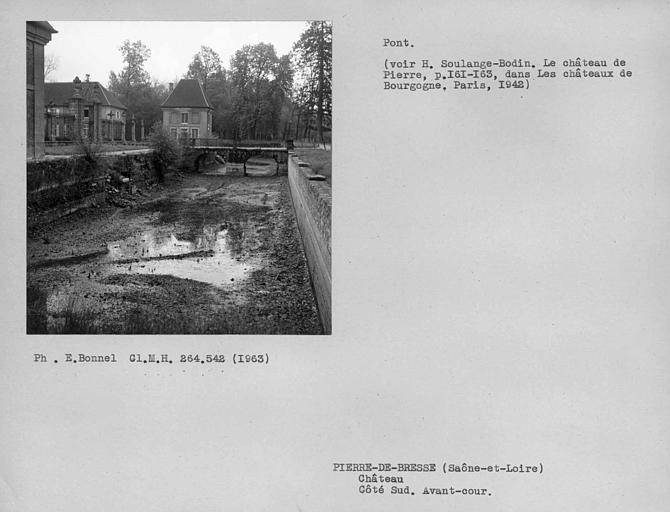 photo pour Château de Pierre, actuellement écomusée de la Bresse bourguignonne