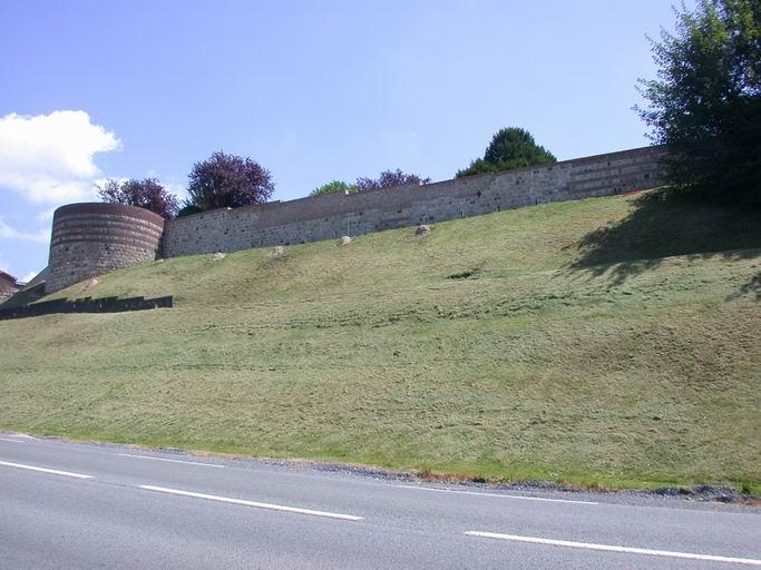 photo pour Rempart médiéval de la ville de Vervins