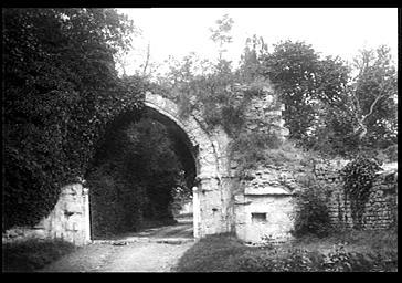 photo pour Restes du château de Guillaume le Conquérant