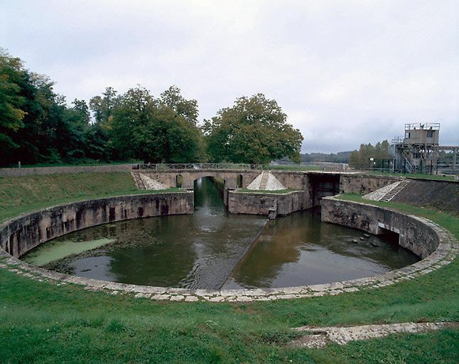photo pour site d'écluse des Lorrains (canal latéral à la Loire)
