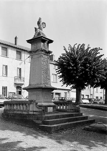 photo pour Monument aux Morts de la Guerre de 1914 1918 et de la Guerre de 1939 1945