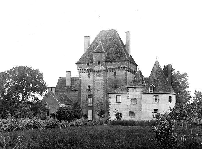 photo pour Château place du Donjon lieu dit le Bourg
