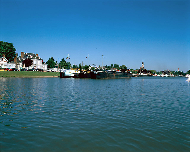 photo pour port (canal latéral à la Loire)