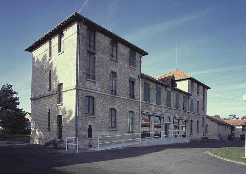 photo pour Sanatorium, actuellement centre Hélio-Marin