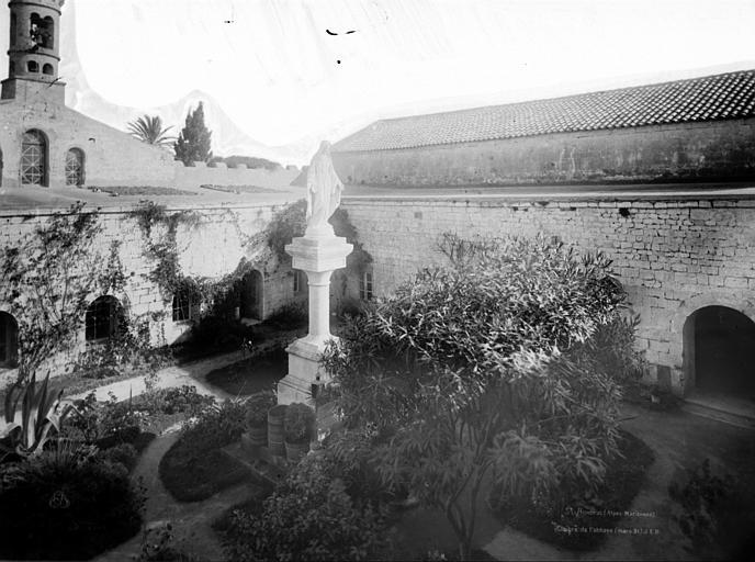 photo pour Abbaye Saint-Honorat (vestiges de l' ancienne)